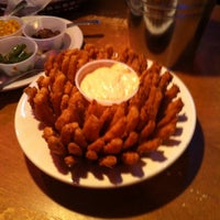 Photo taken at Texas Roadhouse by Javier L. on 11/24/2013
