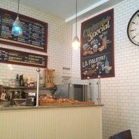 3/22/2014 tarihinde Emilyziyaretçi tarafından Croissanteria'de çekilen fotoğraf