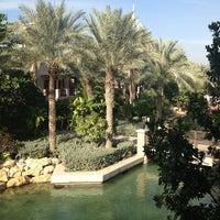 Foto diambil di Al Qasr Hotel oleh Anna K. pada 12/25/2012
