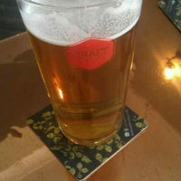 Photo prise au The Craft Beer Co. par Russell J. le6/19/2013