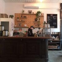 Foto tirada no(a) Ludlow Coffee Supply por woori p. em 3/2/2018