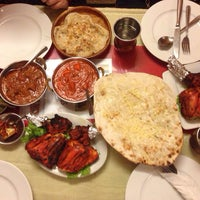 Photo taken at Mumtaz Halal Indian Restaurant by Chau Anh B. on 8/21/2014