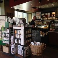 4/27/2013 tarihinde Marc S.ziyaretçi tarafından Starbucks'de çekilen fotoğraf
