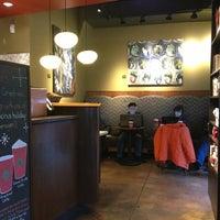 12/29/2012 tarihinde Marc S.ziyaretçi tarafından Starbucks'de çekilen fotoğraf