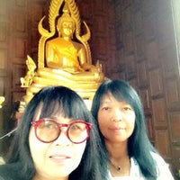 Photo taken at วัดราษฎร์เจริญ Wat Ratcharoen by Auan W. on 10/27/2015