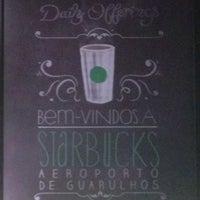 Foto tirada no(a) Starbucks por Ivan D. em 11/12/2013