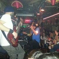 4/20/2013 tarihinde Burak K.ziyaretçi tarafından Fotoğraf Cafe & Bar'de çekilen fotoğraf
