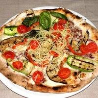 Foto diambil di Pizzeria Firenze Nova oleh ENRICO D. pada 12/16/2012
