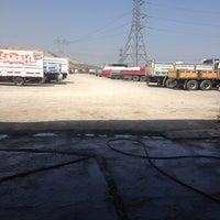 Photo taken at kardeşler kamyon garajı ve yıkama yağlama by Poyraz B. on 6/16/2014