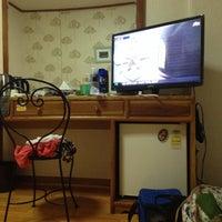 Photo taken at 샤롯데모텔 (Charlotte Motel) by Nuri J. on 8/5/2014