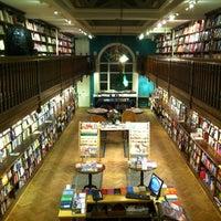 Foto tomada en Daunt Books por Nuri J. el 2/1/2013