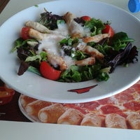 Photo taken at Pizza Hut by Sonay A. on 7/13/2013
