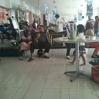 Photo taken at Sentral Yamaha Jember by Firman M. on 12/28/2013