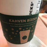 11/25/2017 tarihinde ORHAN D.ziyaretçi tarafından Starbucks'de çekilen fotoğraf