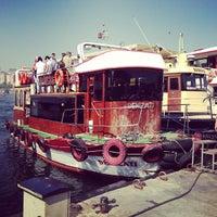 Das Foto wurde bei Eminönü Sahili von Yagnenok am 5/4/2013 aufgenommen