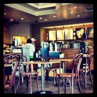 Снимок сделан в Starbucks пользователем Paul F. 7/4/2013