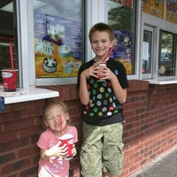 Photo taken at Bruster's Ice Cream by Jennie H. on 9/2/2015
