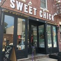 รูปภาพถ่ายที่ Sweet Chick โดย JetzNY เมื่อ 6/30/2018