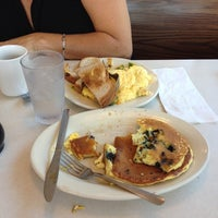 Photo taken at Mickey's Diner by JetzNY on 9/28/2014