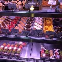 Das Foto wurde bei François Payard Bakery von Valéria Weiss🌷 am 10/21/2013 aufgenommen