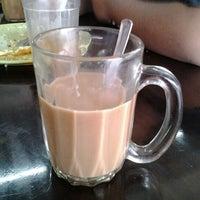 Photo taken at Kedai Kopi Ramli Abu Bakar Recipe by Nabihah R. on 12/18/2012