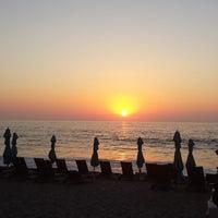 Foto tomada en Mantamar Beach Club por CARLOS G. el 4/11/2014
