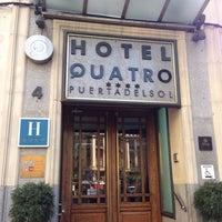 Foto tomada en Hotel Quatro Puerta del Sol por Carrie L. el 8/31/2014