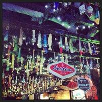 Foto tirada no(a) Hamilton's Tavern por Tim W. em 2/24/2013