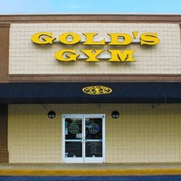 Photo taken at Gold's Gym by Gold's Gym on 8/3/2017