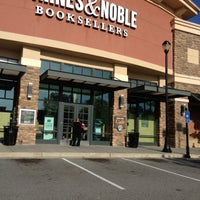 Photo taken at Barnes & Noble by Nat A. on 4/18/2013