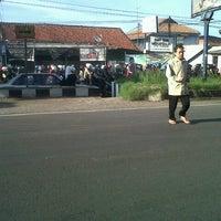 Photo taken at Jalan Raya Cileunyi by Nurrani R. on 1/21/2013
