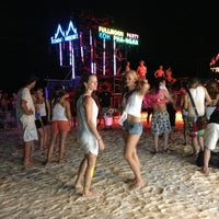 Photo taken at Full Moon Party by Sak Taff K. on 5/25/2013