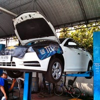 Photo taken at CHEVROLET CERTIFIED USED CAR(สุรินทร์) by kittipong m. on 4/9/2013