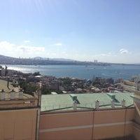 7/23/2013 tarihinde Charlie W.ziyaretçi tarafından Richmond İstanbul'de çekilen fotoğraf