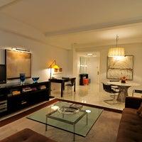 Foto diambil di Lombardy Hotel oleh Lombardy Hotel pada 6/10/2015