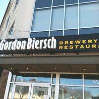 Photo taken at Gordon Biersch Brewery Restaurant by John M. on 11/26/2012