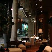 Das Foto wurde bei Le Germain Hotel Toronto Mercer von Dean J. am 2/1/2013 aufgenommen
