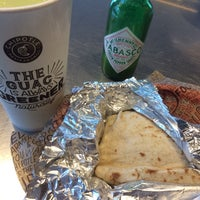 Photo taken at Chipotle Mexican Grill by Carlos F. on 10/15/2016