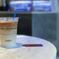 Foto tirada no(a) Kaizen Coffee Co. por Sunny M. em 8/8/2017