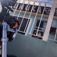 Photo taken at Kumuka CrossFit by Javier P. on 10/21/2013