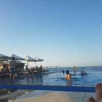 8/26/2016 tarihinde Manou t.ziyaretçi tarafından Rixos Bab Al Bahr Pool'de çekilen fotoğraf