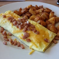 Photo taken at Perkins Restaurant by T M. on 5/1/2014