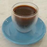 Foto tirada no(a) Norm Coffee por Cem B. em 7/23/2015