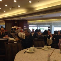 Photo taken at Tin Yu Seafood Restaurant  天悅海鮮酒家 by John T. on 3/23/2014