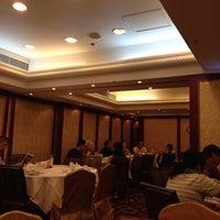 Photo taken at Tin Yu Seafood Restaurant  天悅海鮮酒家 by John T. on 6/1/2014