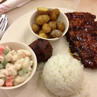 Photo taken at Kenny Rogers Roasters by Miko D. on 3/27/2013