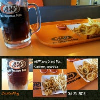 Photo taken at A&W by gustineira on 10/31/2013