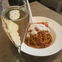 Foto scattata a la pasta fresca raimondo mendolia da Julia S. il 3/27/2016