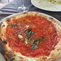 Foto scattata a La Bella Napoli da Julia S. il 9/14/2017