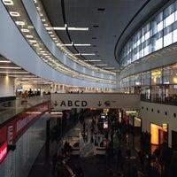 10/2/2013 tarihinde Вера Л.ziyaretçi tarafından Viyana Uluslararası Havalimanı (VIE)'de çekilen fotoğraf